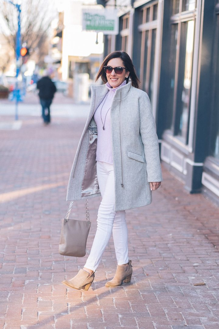 How to Wear White Jeans in Winter?