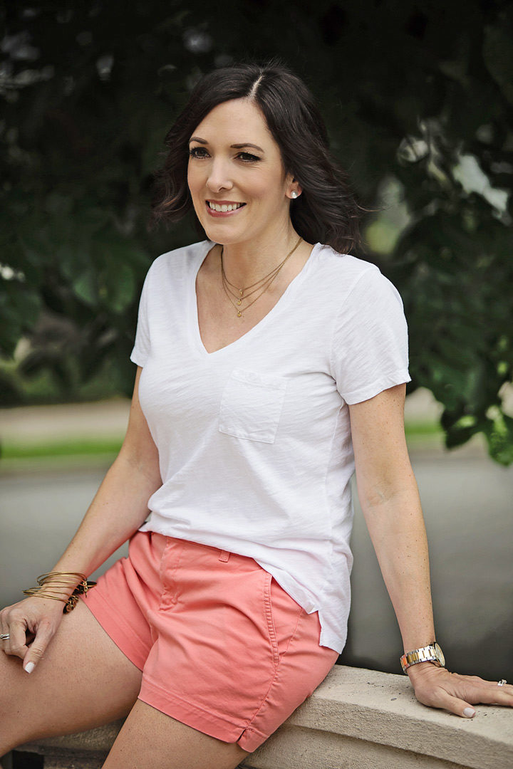 Jo-Lynne Shane wearing a casual summer outfit with Old Navy Pixie chino shorts and Madewell Whisper cotton v-neck pocket tee
