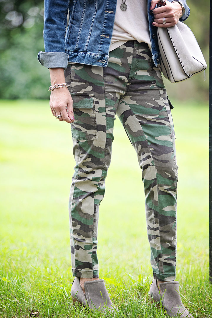 an easy way to wear camo pants