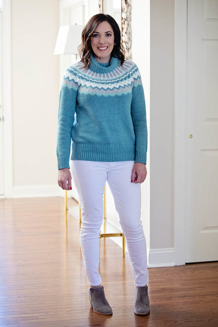How to Style a Fair Isle Sweater Outfit with White Jeans for Winter