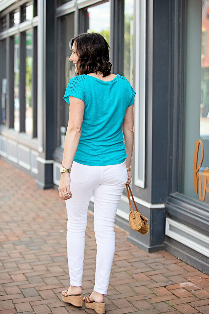 """Boden Linen Voop Tee in Ultramarine with Madewell 9"""" Mid-Rise Skinny Jeans in Pure White and Sam Edelman Regis Platform Wedge Sandals"""