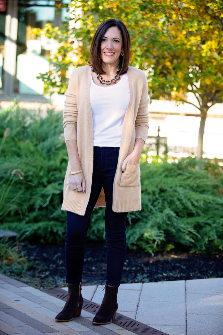 What to Wear with Dark Wash Jeans This Fall | Fashion for Women Over 40