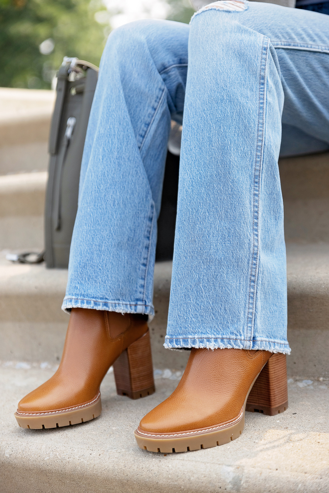 What to Wear with Light Wash Jeans: Cognac Boots