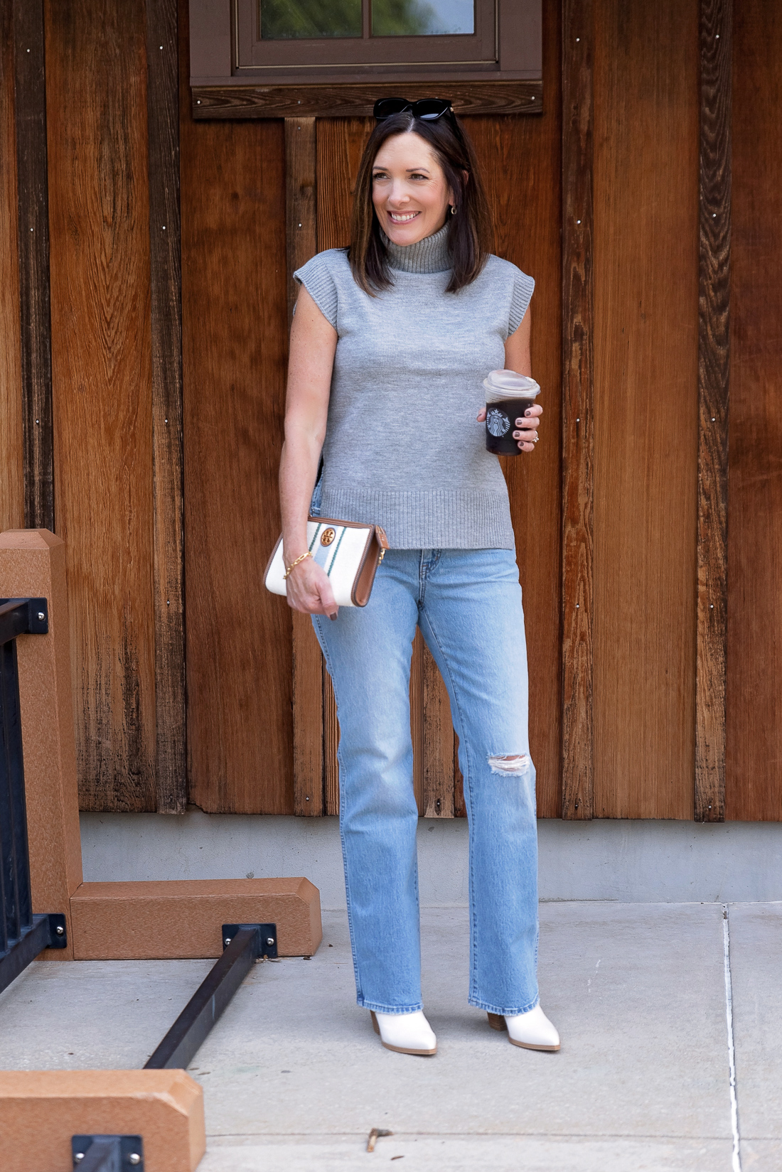What to Wear with Light Wash Jeans: Grey and White